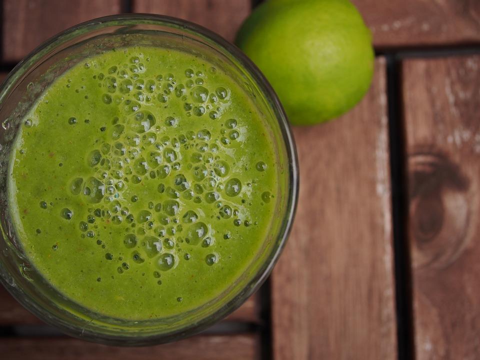 Frullato verde che accelera il metabolismo per perdere 6 kg in 3 settimane - Ricette